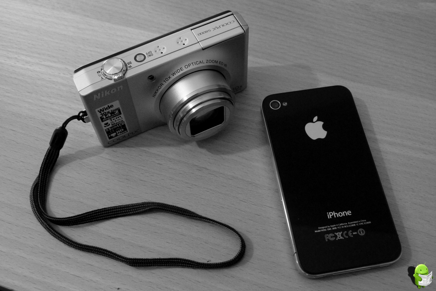Digitalkamera vs Smartphone Nikon CoolPix 800 vs. iPhone 4
